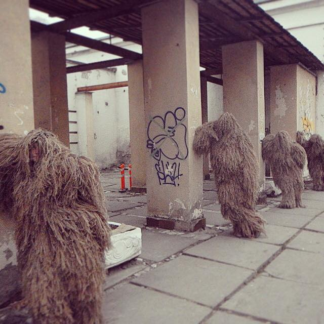 The funny fashion show of the Ghillie suits