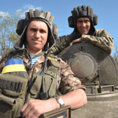Ukraine`s defense minister calls on retired officers to return to army