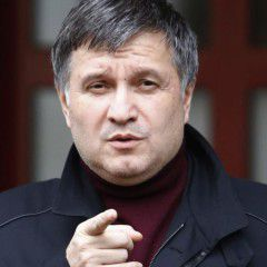 Ukrainian Interior Minister not to resign after five policemen dead in shooting between police and state guard service