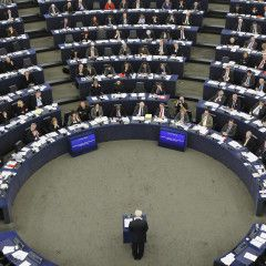 European Parliament sounds alarm on anti-EU propaganda from Russia, IS terrorist groups