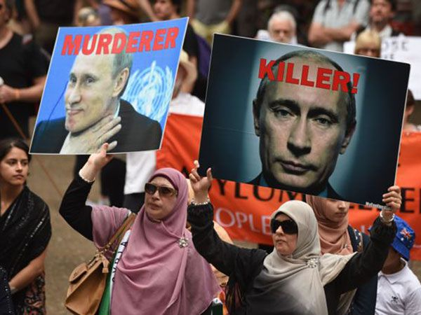 protest against Putin in Syria