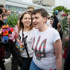 Nadiya Savchenko is released from Russian jail and arrived in Kyiv