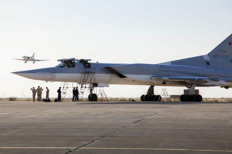 Russia deploys jets at Iranian Airbase_UaPositon (3)