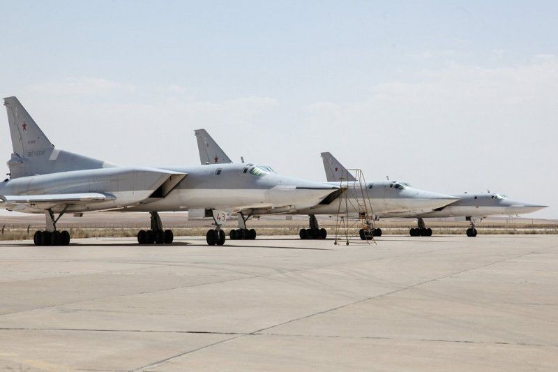 Russia deploys jets at Iranian Airbase_UaPositon (4)