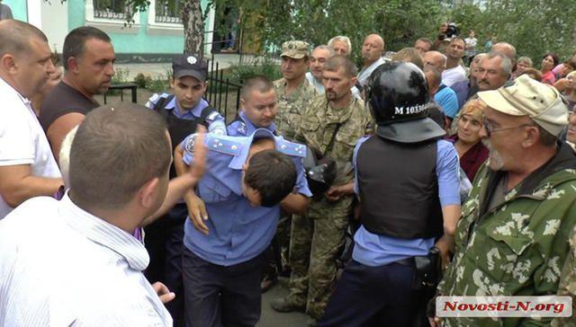 Ukraine police beat a man to death (5)