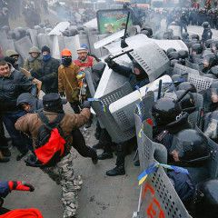 Kyiv police free five detained protesters after Sunday clashes