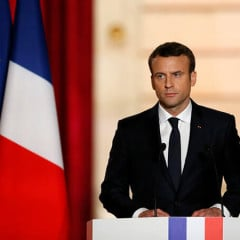 Macron says Minsk agreements only way to resolving Donbas crisis