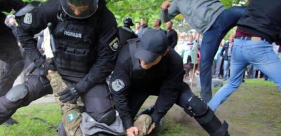 Mass clashes in Ukraine between Army veterans and pro-Russian criminal groups supported by police (Video). Dnipro police chief dismissed, Prosecutor General's Office starts investigation